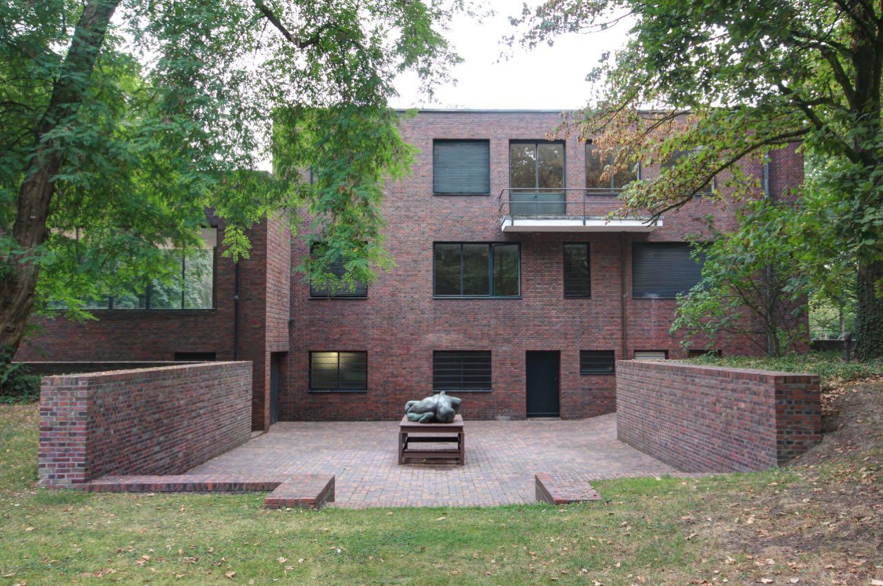 Ludwig Mies van der Rohe_Lange & Esters Haus